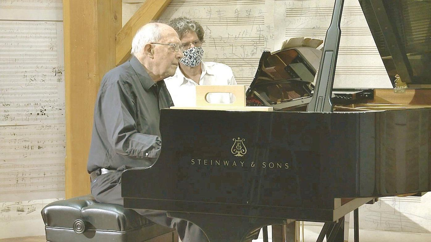 Yellow Barn holds talks on summer concerts