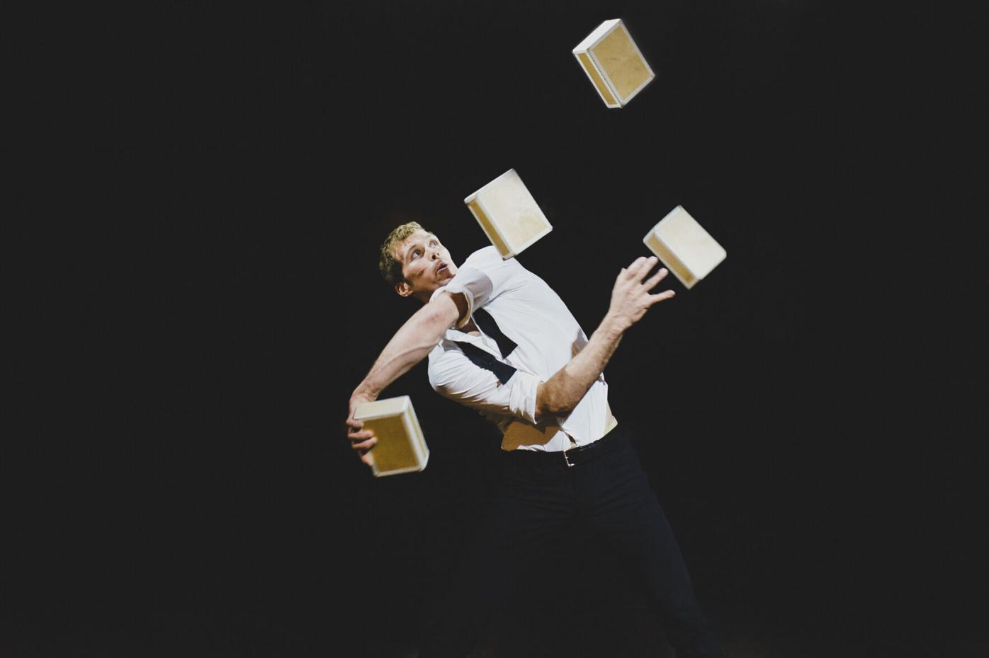 Performer Eric Bates. Photo Credit Caroline Thibault.jpg