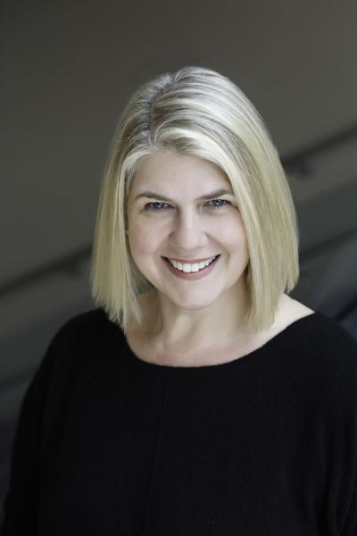 Elizabeth Semmelhack