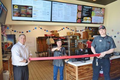 Pizza Hut celebrates grand opening
