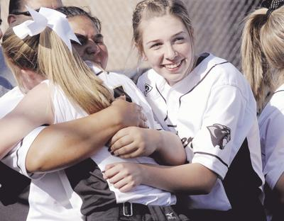 Weitze throws one-hit shutout for Lady Panthers