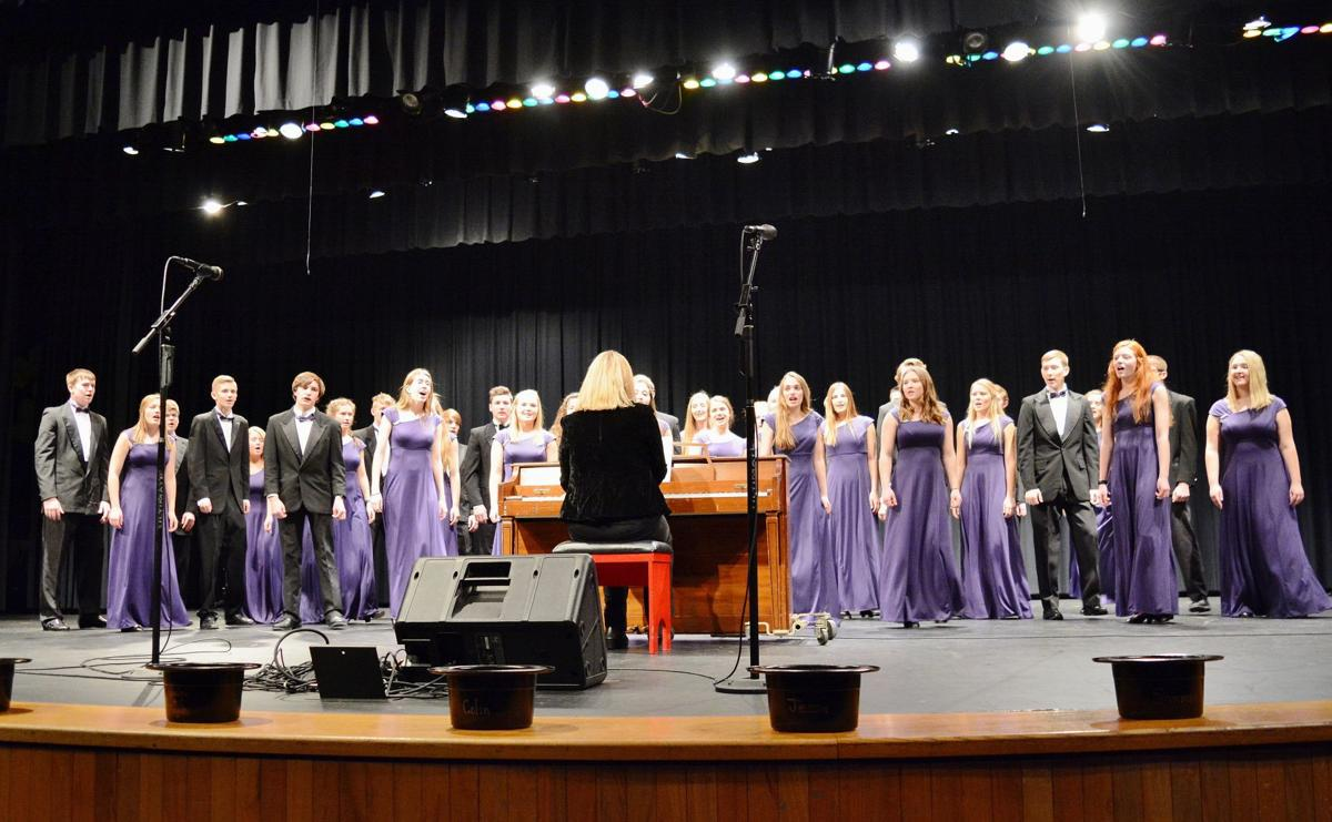 Performers take stage for LHS choir benefit