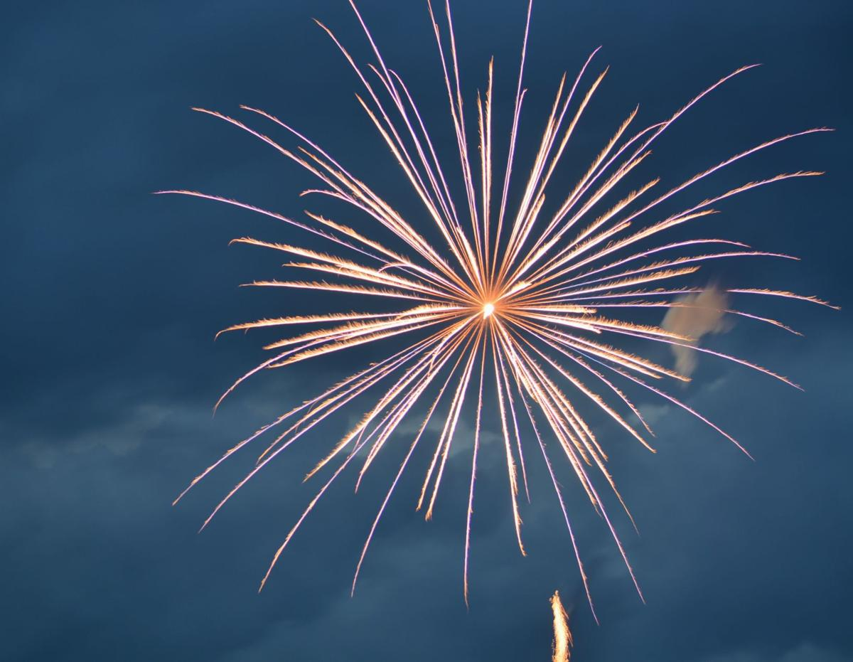 190710_mr_lou_fireworks_01
