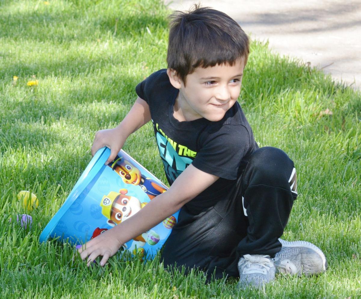 Kids fill Easter baskets in Osawatomie