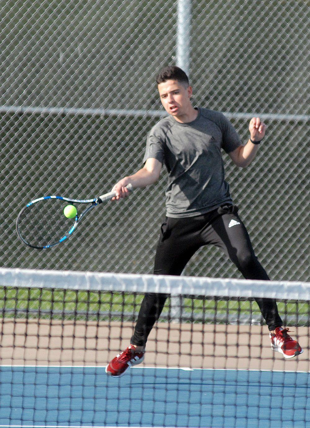 Ohlmeier, Vanuchi, Gasper qualify for state tennis tourney