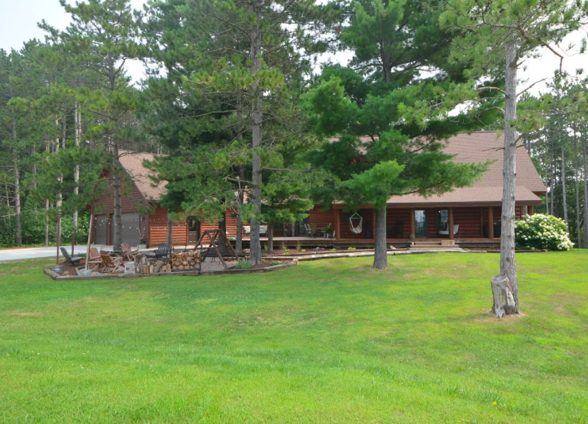 Welch, Minn. log sided home for sale
