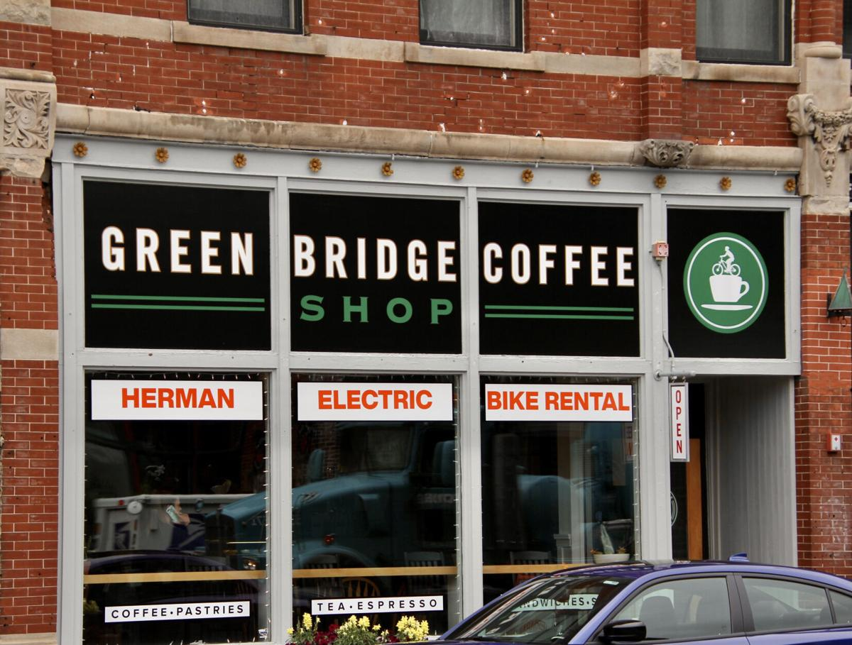 Green Bridge Coffee Shop