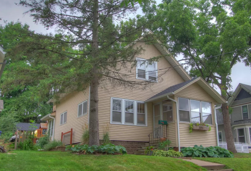 Red Wing, Minn. 1922 refurbished house for sale