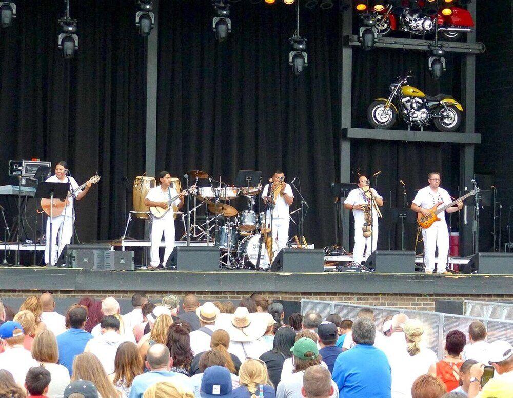 Ecuador Manta band