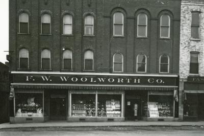 F.W. Woolworth, Red Wing