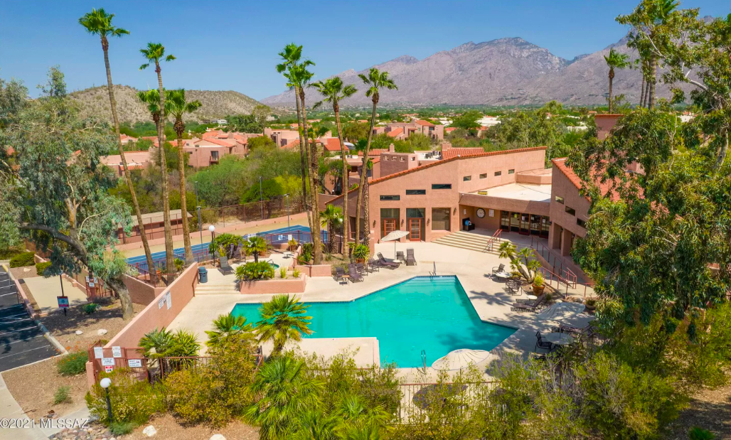 perfect snowbird condo in Tucson, Ariz. for sale 1