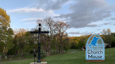 Church Mouse: Saint Pius V Catholic Cemetery