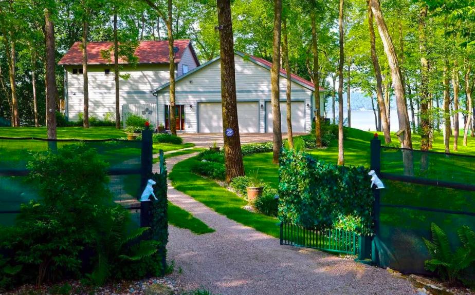 Pepin, Wis. house on Lake Pepin for sale 1