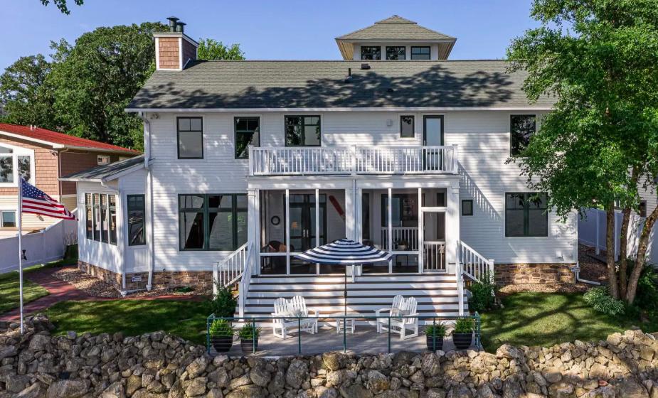 Lake City, Minn. lake house for sale 1
