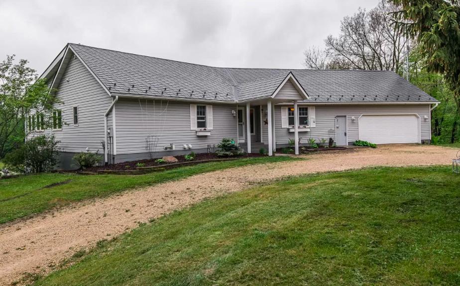 Pine Island, Minn., farm house for sale, 2
