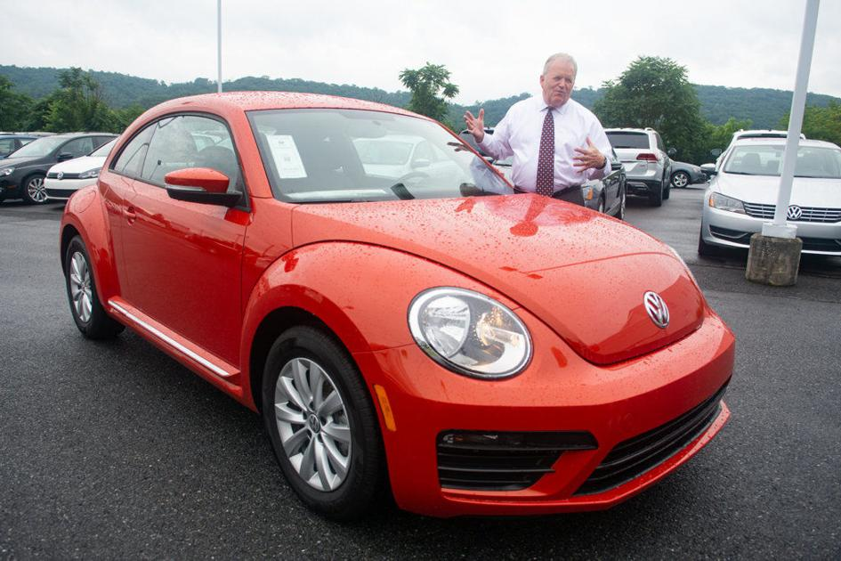 local volkswagen dealer laments end of the beetle news republicanherald com republican herald
