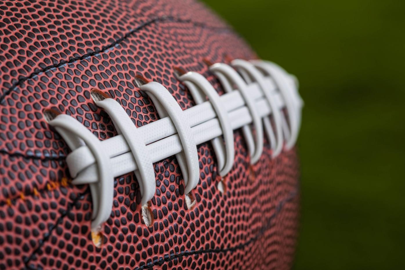 sports football laces 2.jpg