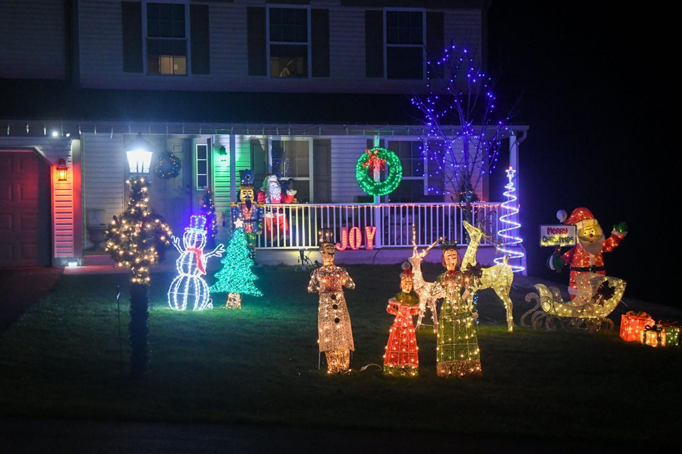 CHRISTMAS LIGHTS FOUNTAIN SPRINGS