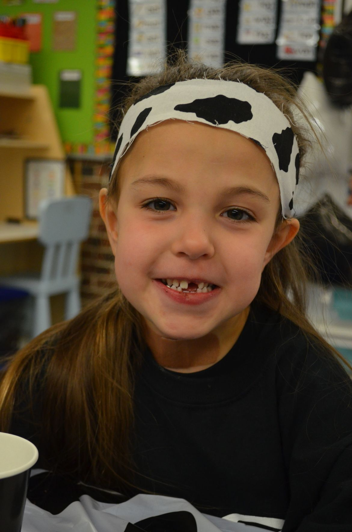 Tiogue Elementary goes black and white for omphalocele awareness