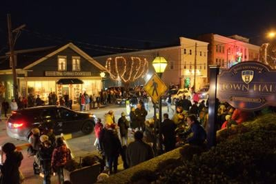 Holiday events happening this weekend