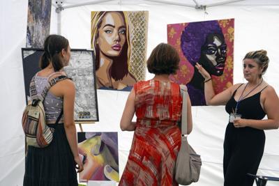 Art Lovers Convene