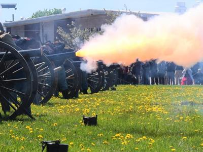 Cannons roar during 43rd Ohio Civil War Show in Mansfield