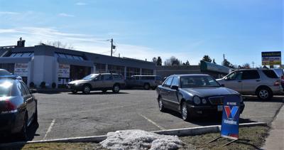 Lexington Avenue auto repair business building sells for $200,000