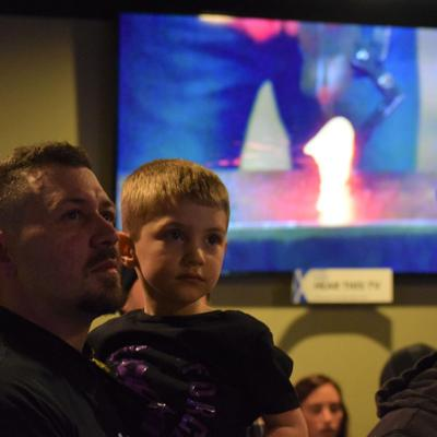 Lexington bladesmith experiences community warmth during 'Forged in Fire' watch party