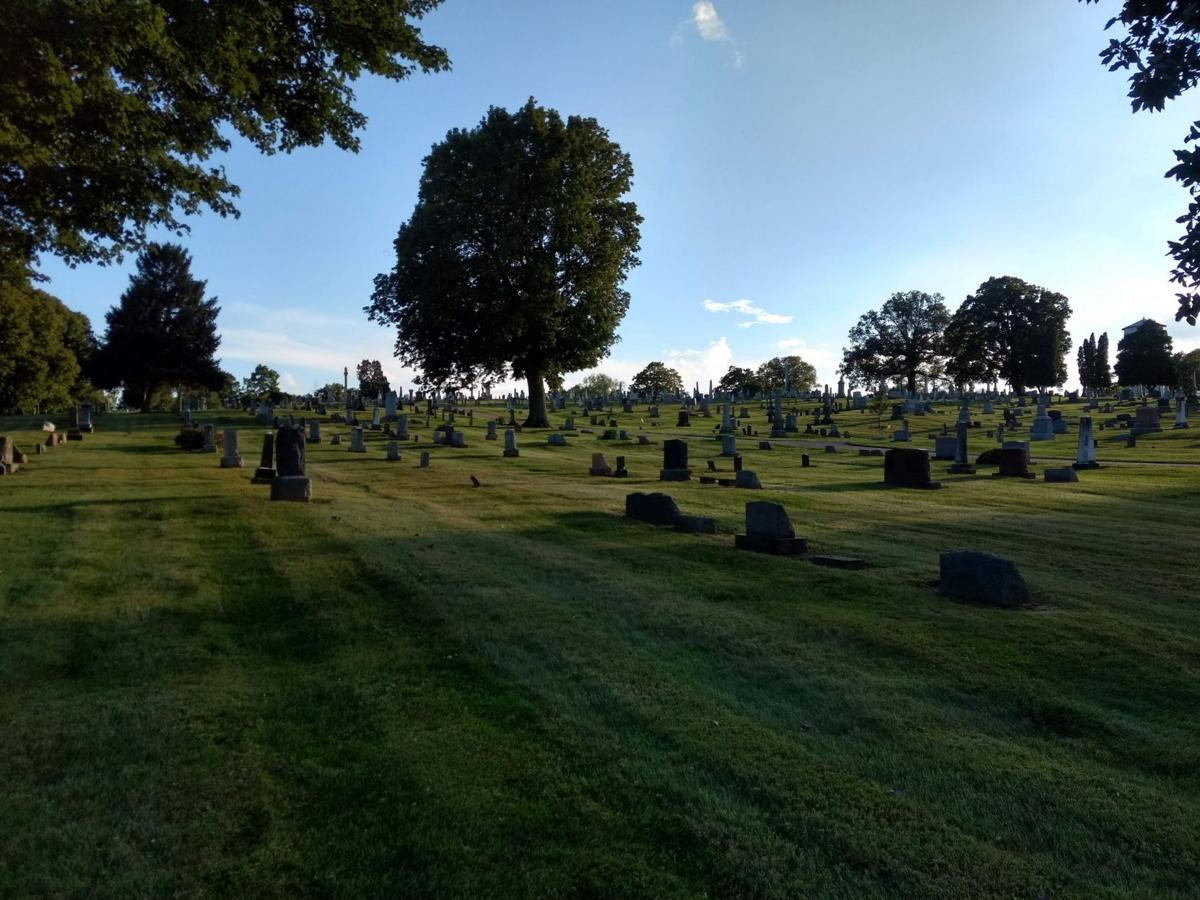 Mound View Cemetery.jpg