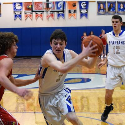 Mansfield St. Peter's shuts down Loudonville for MBC victory