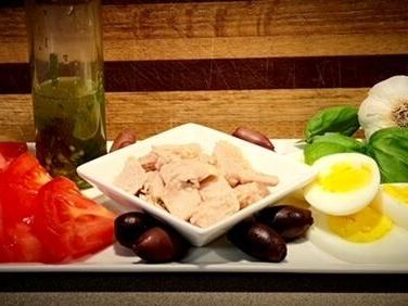Niçoise salad recipe makes a great choice for upping your salad game
