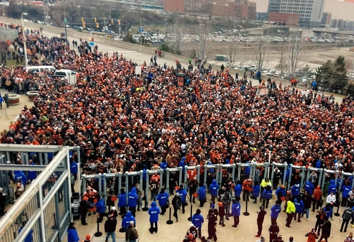 browns fans at the gate