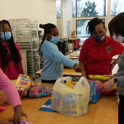 Mansfield United Lions Club creates Valentine's gift bags for foster children
