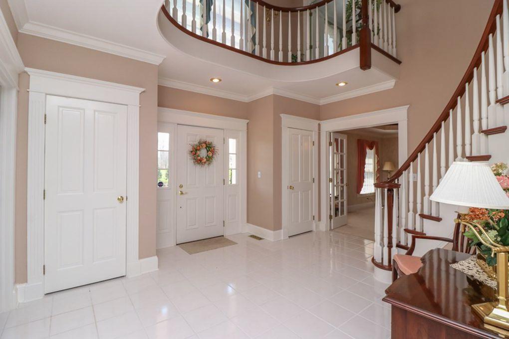 9-Foyer-2.jpg