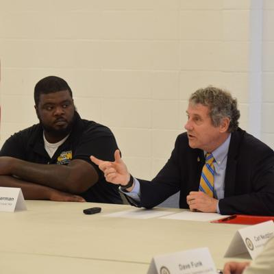 Sen. Brown talks legislation to increase employee training in Mansfield visit