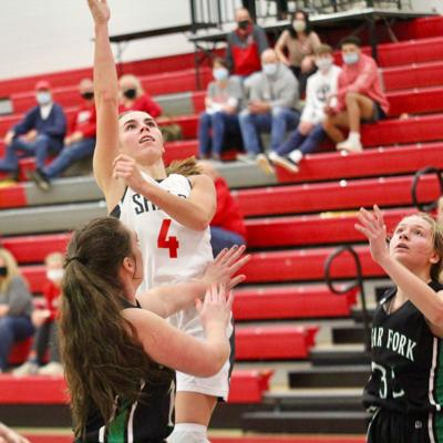 Shelby overcomes slow start, cruises past Clear Fork