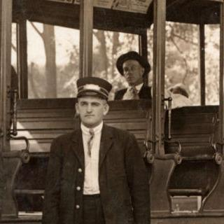 1913: The Sunshine Club goes on Trolley Picnics