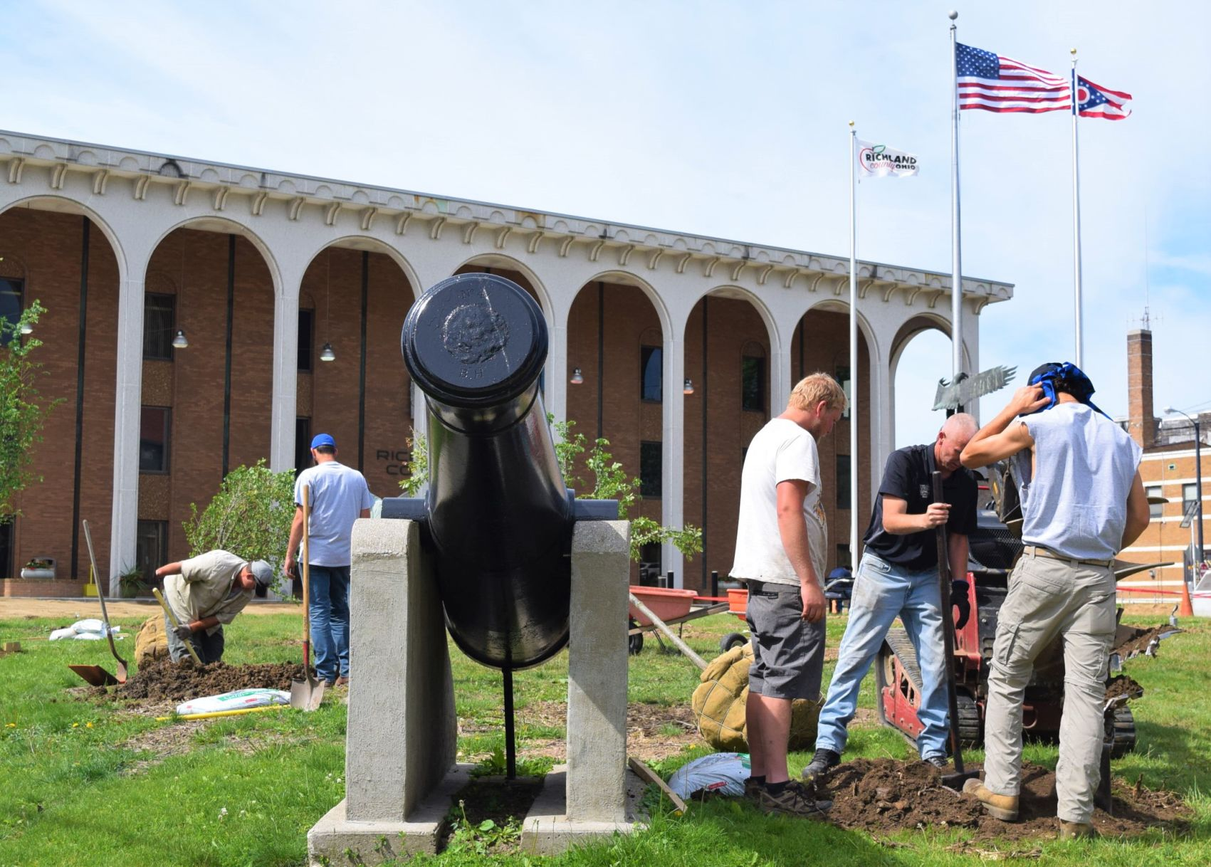 New trees planted on Richland County Courthouse lawn
