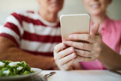 Communicating in smartphone