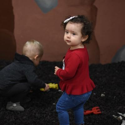 The evolution of play: Children benefit more from imaginative play than tech