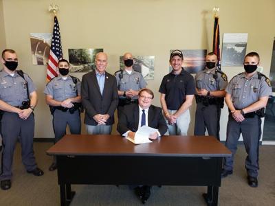 Obhof signs bill