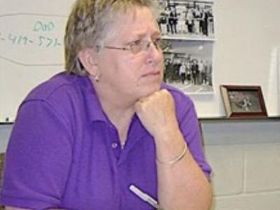 Mansfield school board approves settlement with Fuzzie Davis