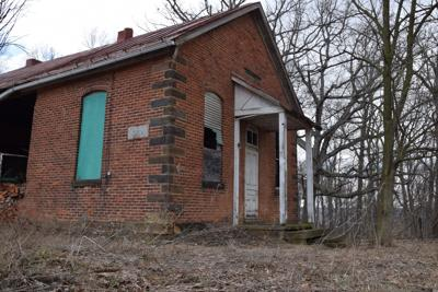 Former students share memories of Buena Vista schoolhouse in Mifflin Twp.