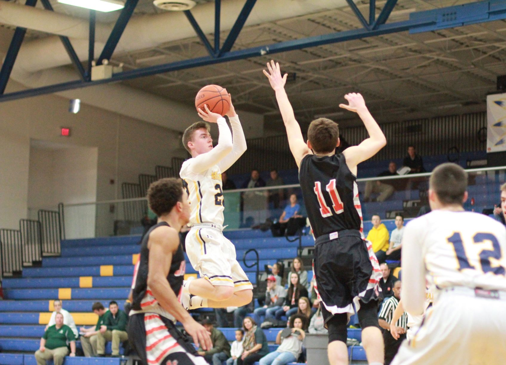 Truckers sting Yellow Jackets for first win