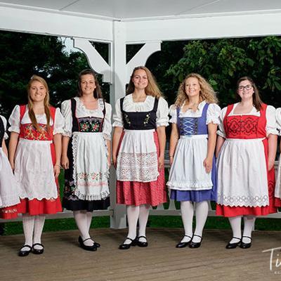 Seven girls vie for title of Bratwurst Festival Queen