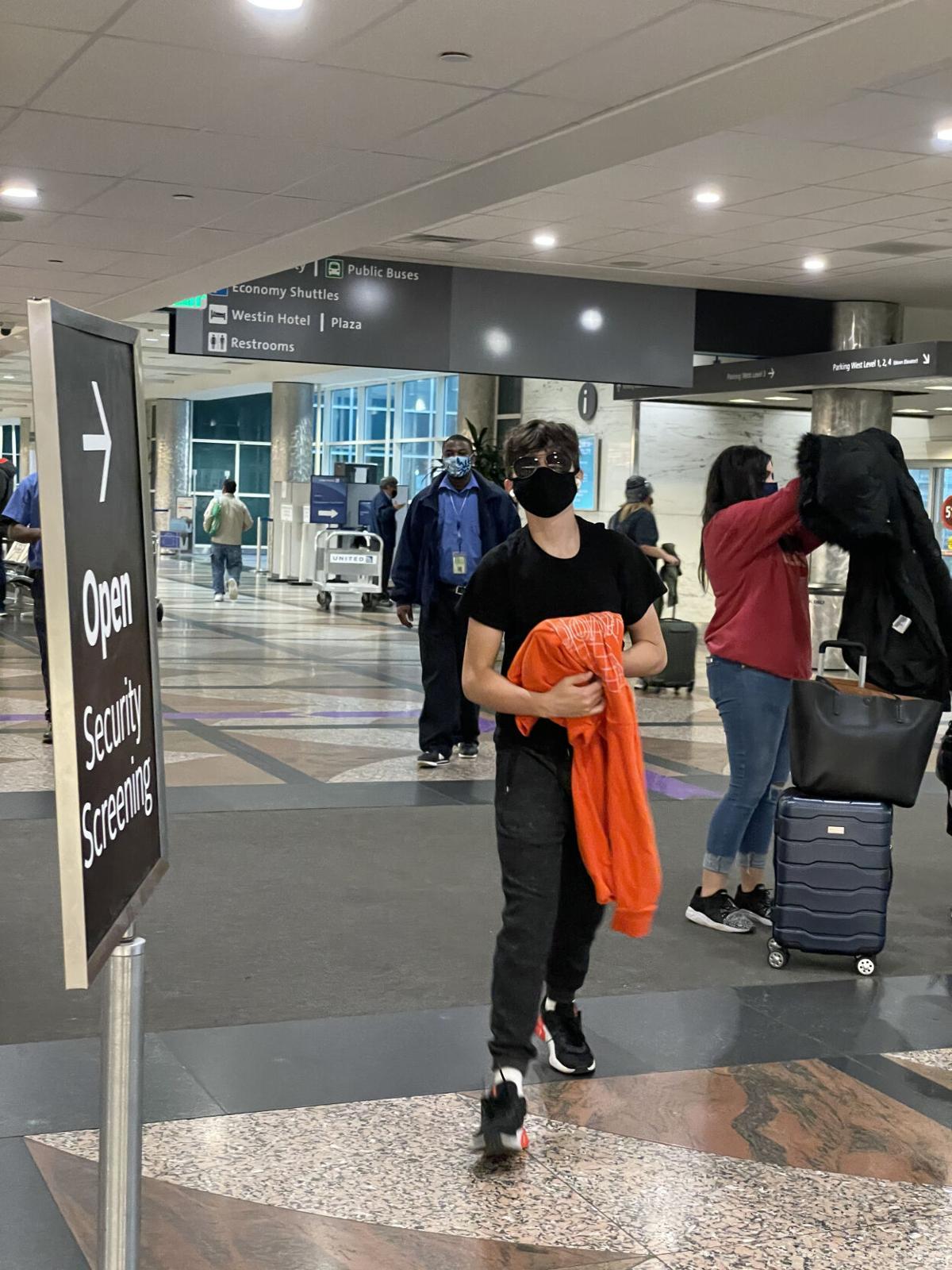 bieber at airport