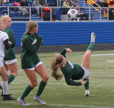 Madison prepares for state semifinal showdown with Chagrin Falls