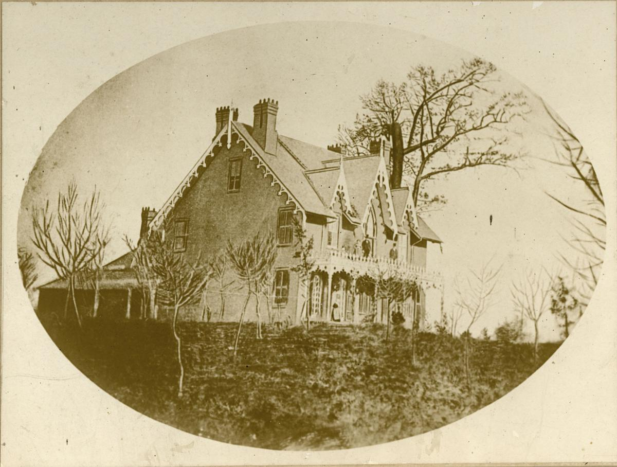 Earliest photo of Oak Hill Cottage
