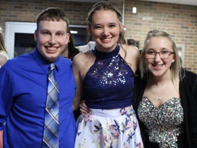 GALLERY: Pioneer hosts 2018 prom