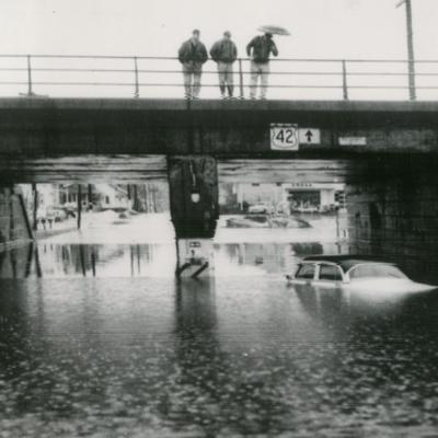 T&N: Park Avenue East underpass under water 1974